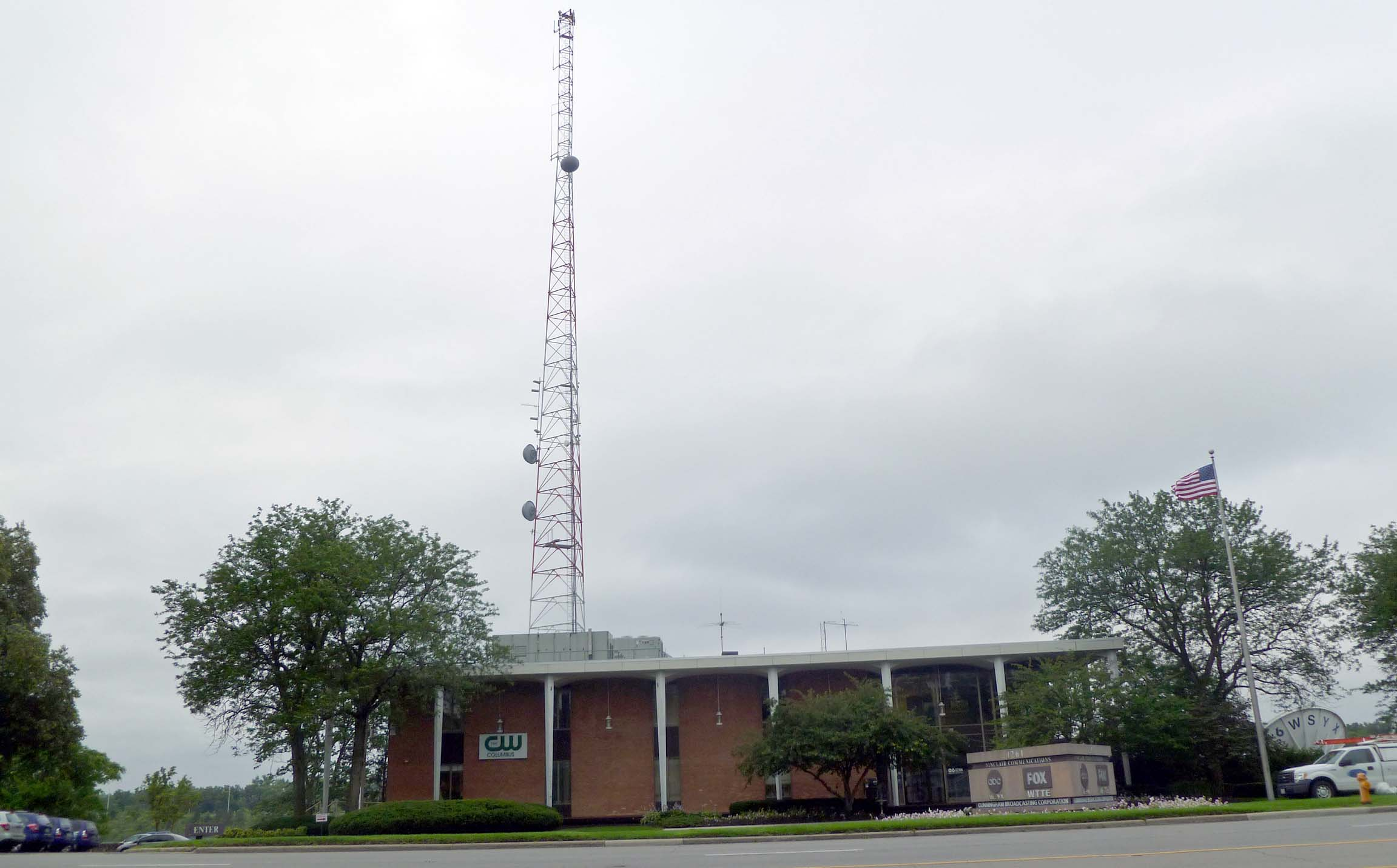 WTTE Fox 28 building and Tower