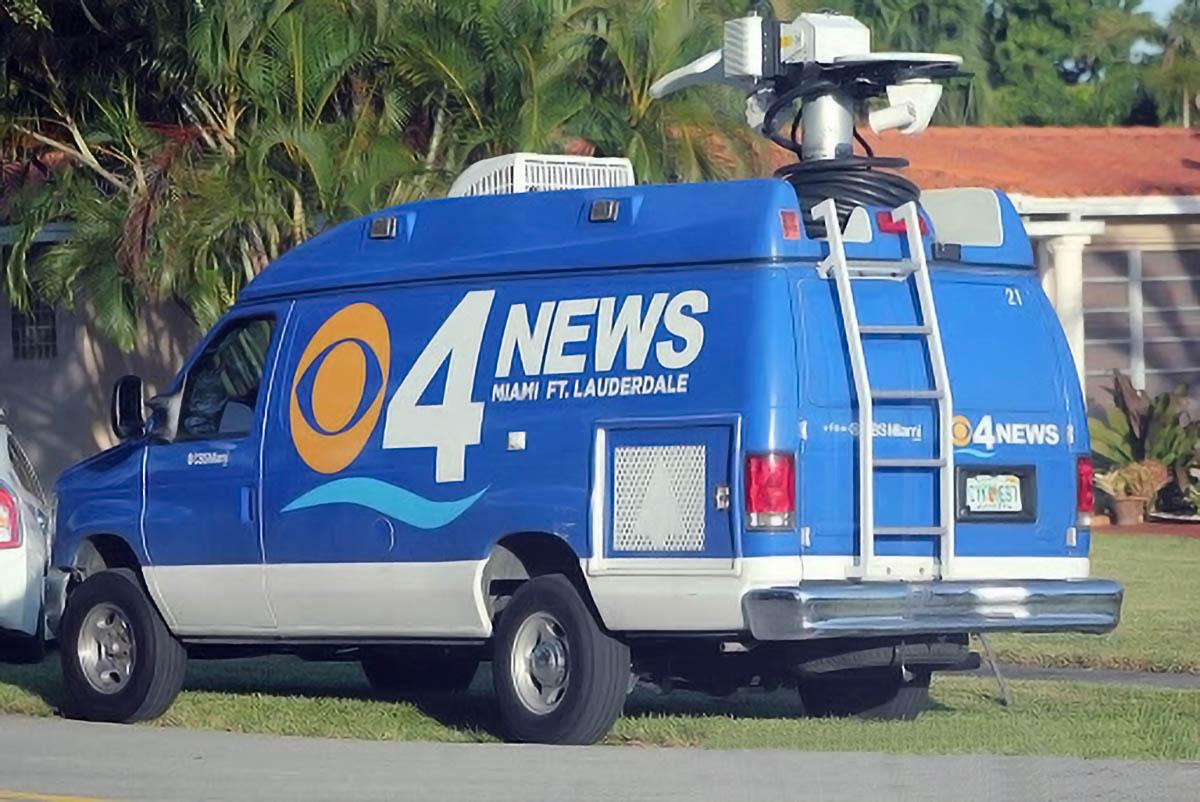 CBS 4 News Miami news van
