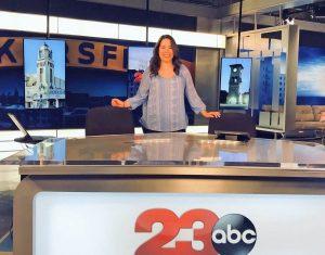 Isabel Ochoa on set