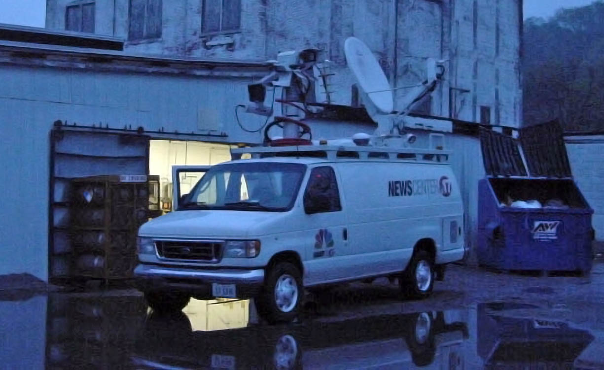 WAND News live streaming satellite van