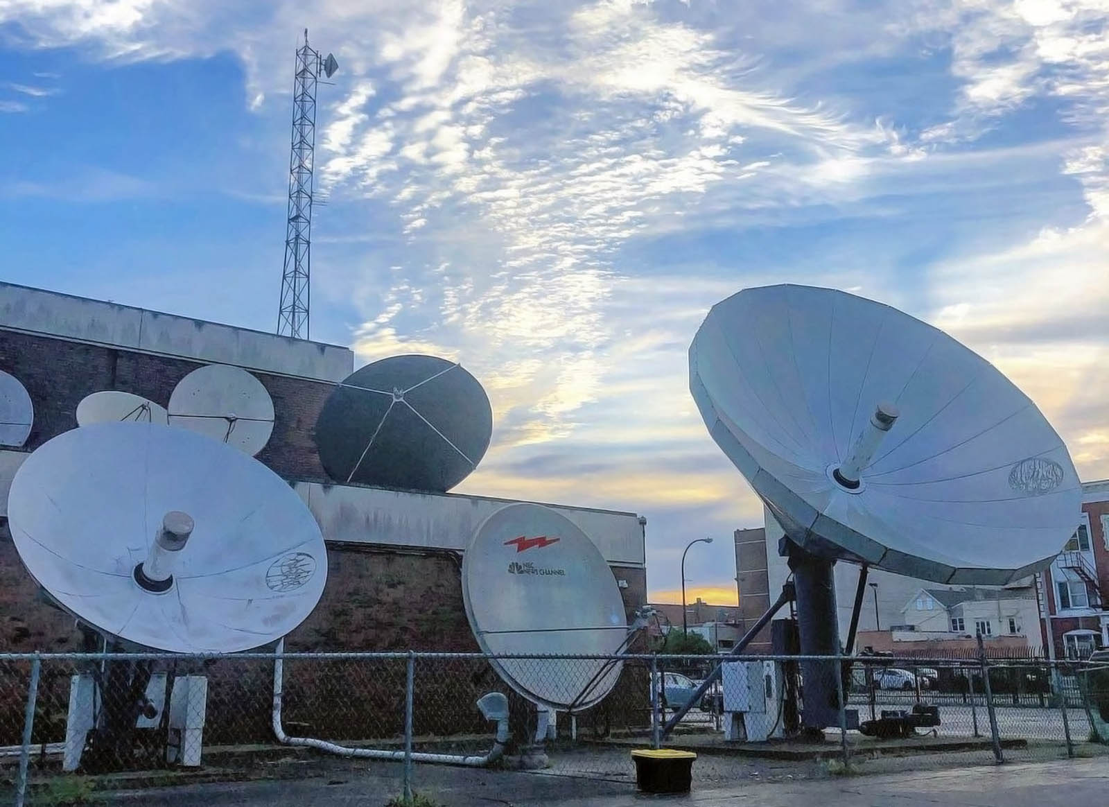 WGRZ News Channel 2 satellite dishes