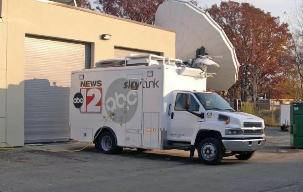 WJRT ABC12 News Satellite Van