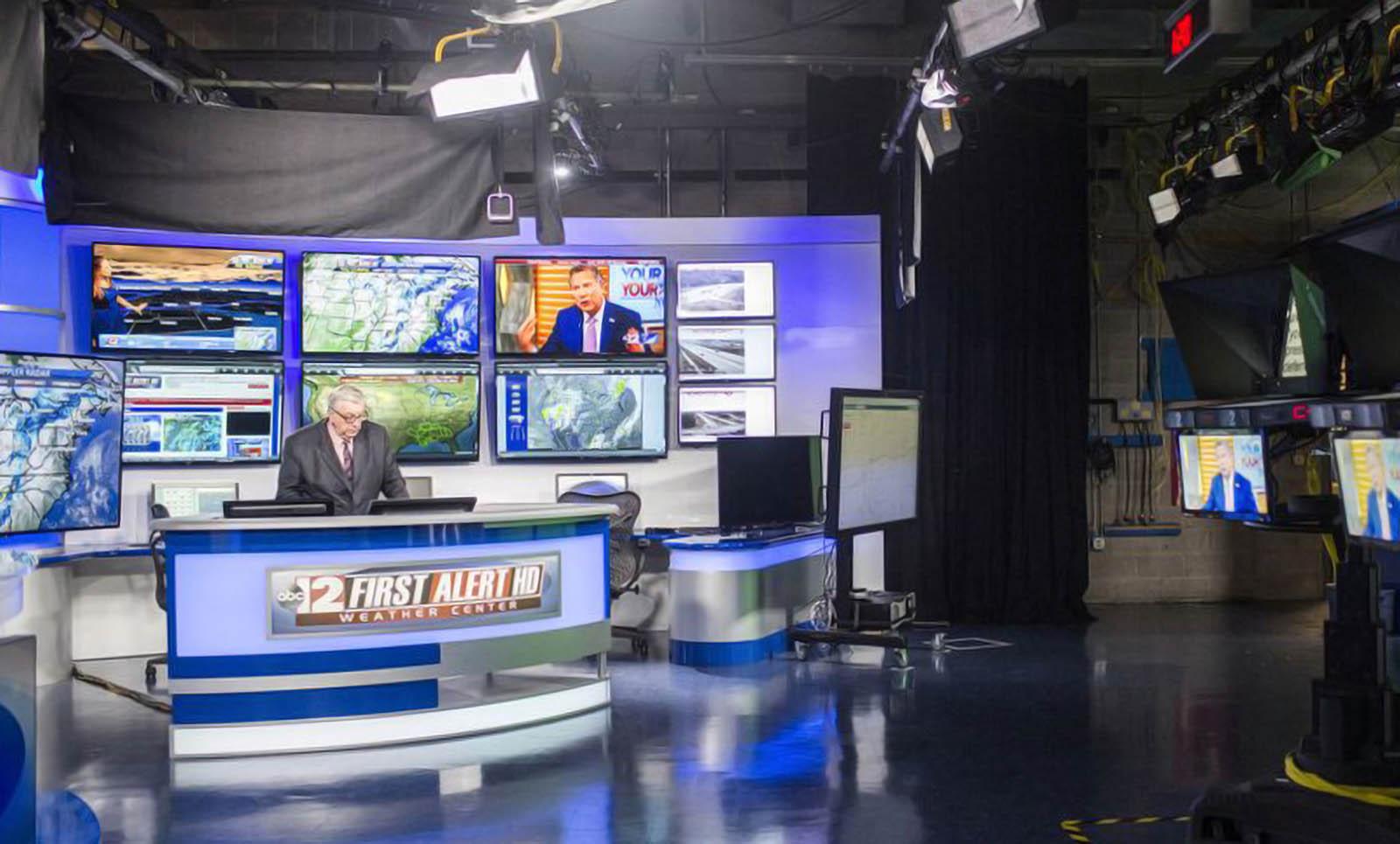 WJRT ABC12 News weather studio